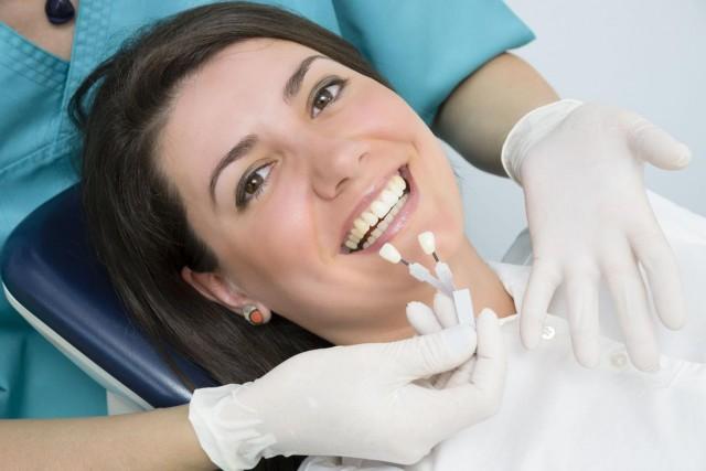 protetyka, implanty, wybielanie, ortodoncja, Monika Masłowska, aparaty stałe, Dorota Denis, stomatolog Targówek