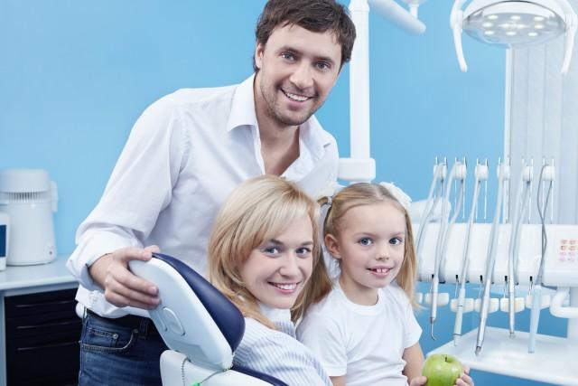 leczenie dzieci, zęby mleczne, próchnica zębów, dentysta Targówek, Bródno